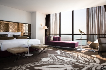 Jumeirah_at_Etihad_Towers_Grand_Deluxe_Room